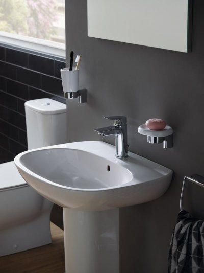 Tesi - sanitární keramika