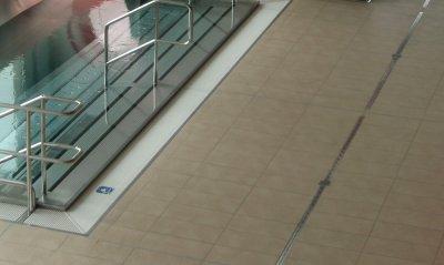 štěrbinové žlábky pro koupaliště